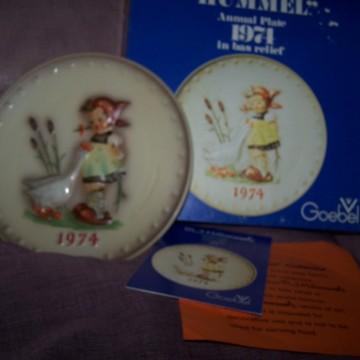 Goebel Vintage Hummel Plate 1974