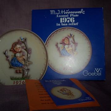 Goebel Vintage Hummel Plate 1976