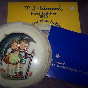 Goebel Vintage Hummel Anniversary Plate 1975